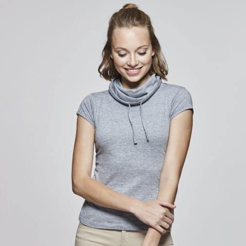 Moteriški marškinėliai aukšta apykakle