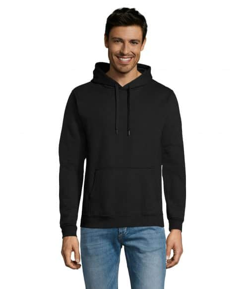 Juodas džemperis su gobtuvu